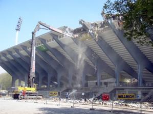 Abriss des alten Wedau Stadions